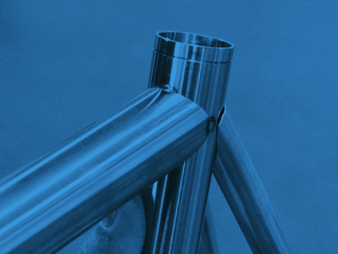 Puntature telaio di una bicicletta Bixxis